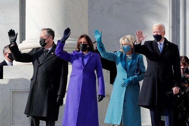 Tổng thống Joe Biden cùng Đệ nhất phu nhân Jill Biden và Phó Tổng thống Kamala Harris cùng Đệ nhị phu quân Doug Emhoff.