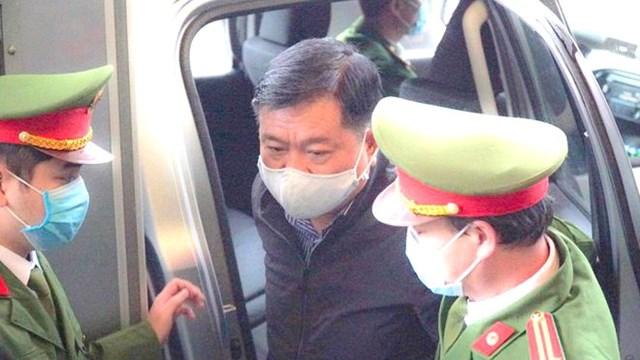 Bị cáo Đinh La Thăng bị dẫn giải tới tòa, ngày 22/1/2021.