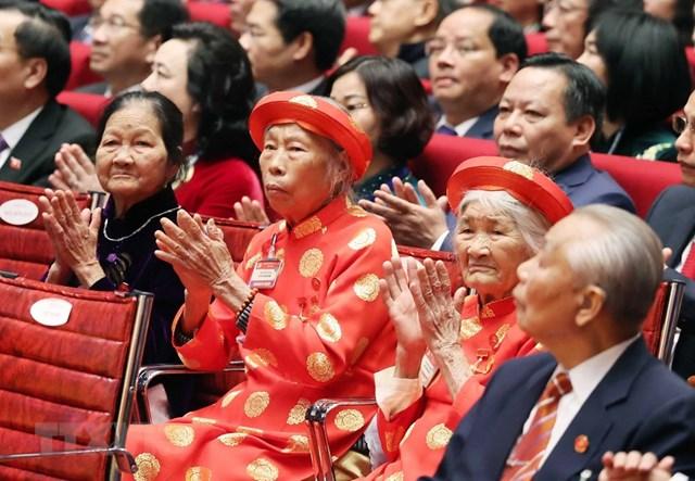 Các Mẹ Việt Nam Anh hùng là đại biểu khách mời dự phiên khai mạc Đại hội. Ảnh: TTXVN.