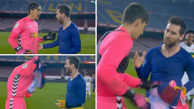 Edgar Badia ngỡ ngàng khi được Lionel Messi đề nghị đổi áo. Ảnh: The Sun.