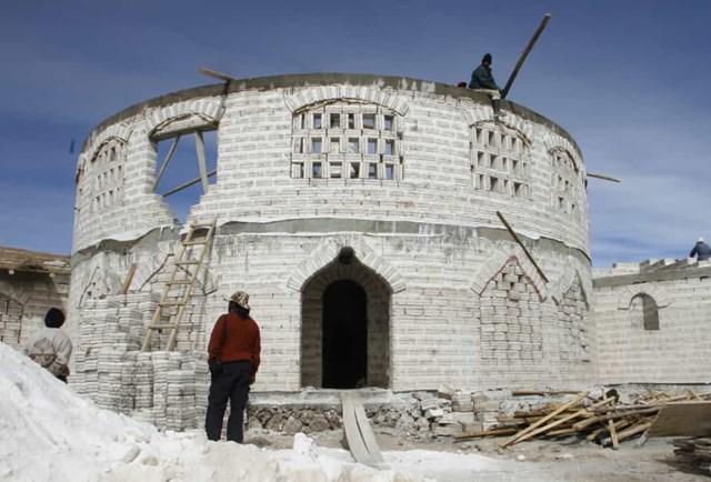 Khách sạn muối, Bolivia nằm tại vùng có bãi muối lớn nhất thế giới.