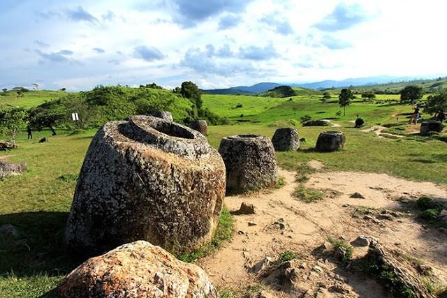 Theo các nhà nghiên cứu, các chum đá này có thể có từ cuối thiên niên kỷ thứ 2.