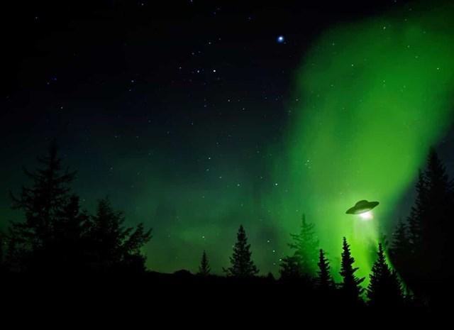 Những vụ nhìn thấy UFO nổi tiếng nhất trên thế giới - Ảnh 1