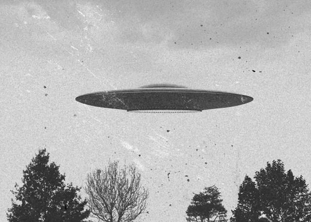 Những vụ nhìn thấy UFO nổi tiếng nhất trên thế giới - Ảnh 14