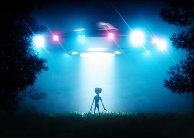 Những vụ nhìn thấy UFO nổi tiếng nhất trên thế giới - Ảnh 15