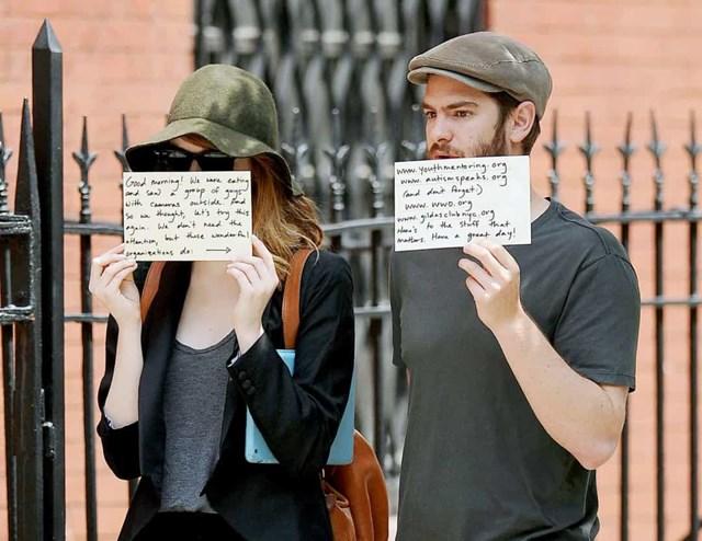 Emma Stone và Andrew Garfield đã từng phải sử dụng tấm ảnh không mong muốn của họ để nâng cao nhận thức cho một hoạt động từ thiện.