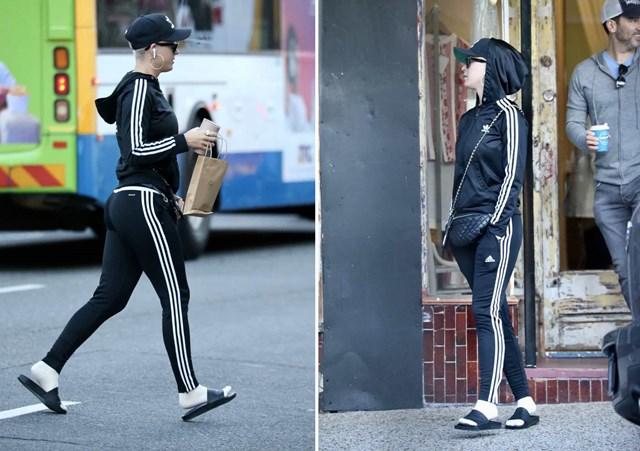 Chiêu trò của Katy Perry mặc cùng một bộ đồ thể thao Adidas mỗi khi ra khỏi nhà để các bức ảnh trông giống như lặp đi lặp lại.