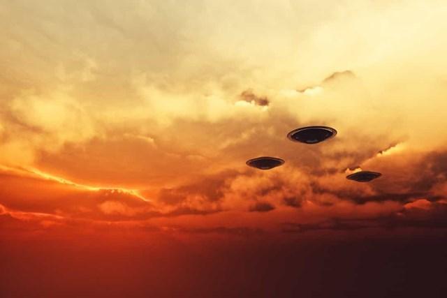 Những vụ nhìn thấy UFO nổi tiếng nhất trên thế giới - Ảnh 8