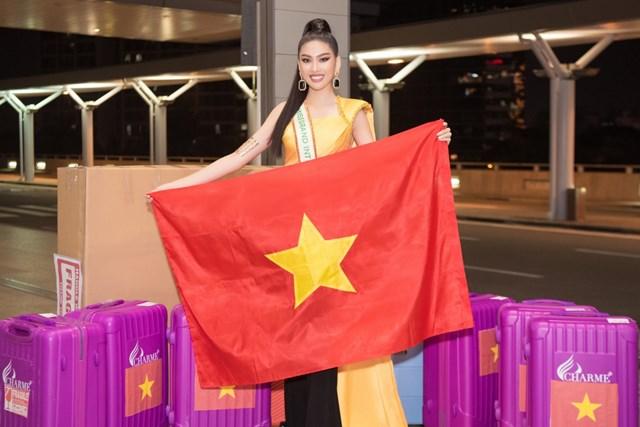 Sau khi được công bố trở thành đại diện tham dự cuộc thi Miss Grand International 2020, Á hậu Ngọc Thảo những ngày qua đã gấp rút tập luyện và chuẩn bị hành trang cho ngày lên đường.