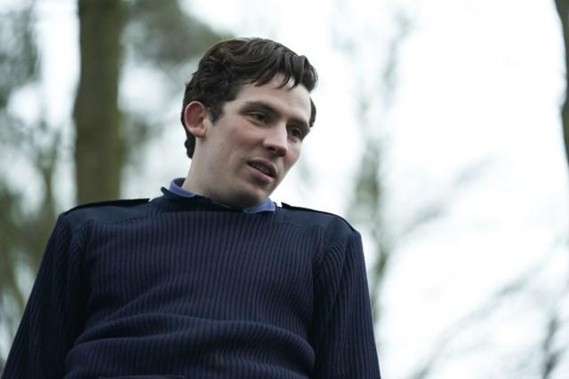 "Josh O'Connor trong vai Thái tử Charles trong Phần 3 của ""The Crown""."