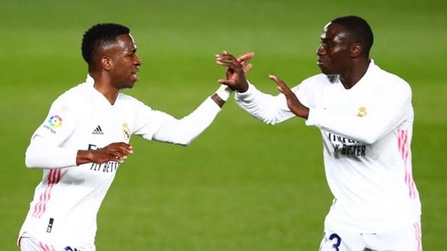 Vinicius Junior giúp Real Madrid thoát thua phút chót. Ảnh: Reuters.