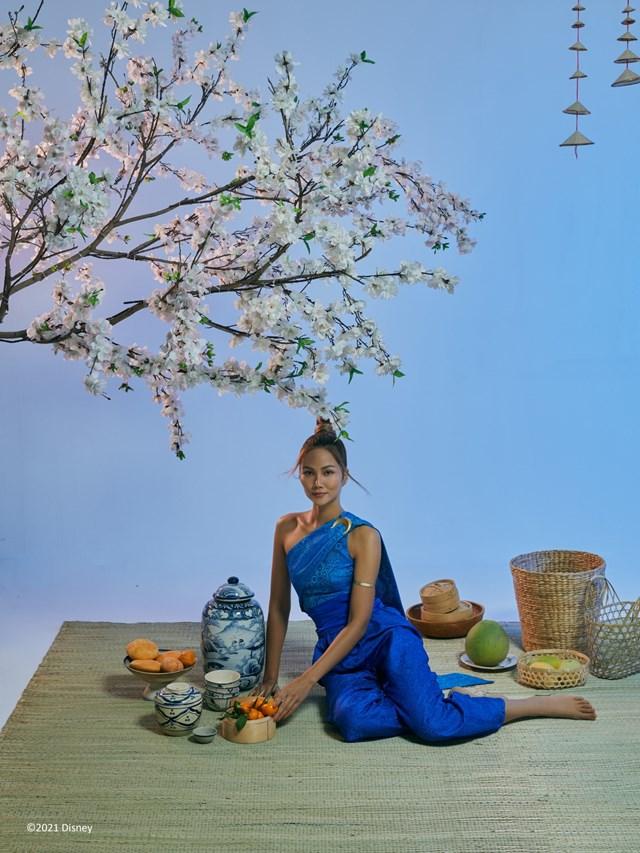 Hoa hậu Hoàn Vũ Việt Nam H'Hen Niê thực hiện bộ ảnh lấy cảm hứng từ công chúa Raya.