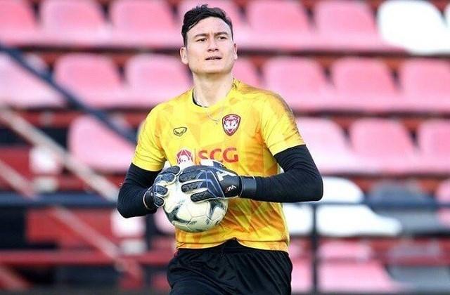 Đặng Văn Lâm đang tập chay trong hơn hai tháng gần đây sau khi chấm dứt hợp đồng với Muangthong.