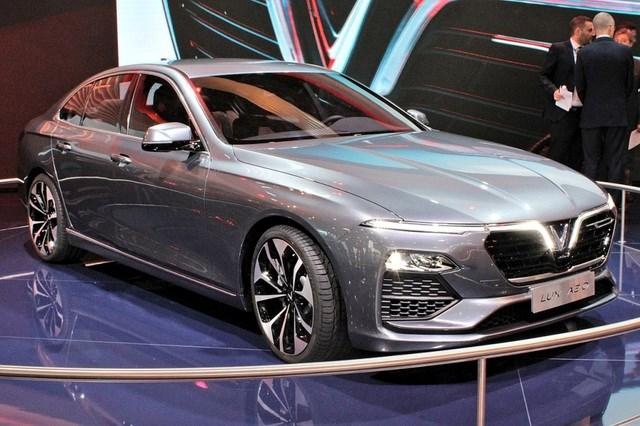 Mẫu VinFast Lux A 2.0 tại Triển lãm ô tô Paris 2018.