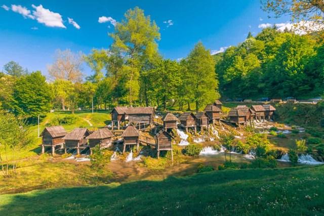 Chiêm ngưỡng những thác nước ngoạn mục nhất Châu Âu - Ảnh 2