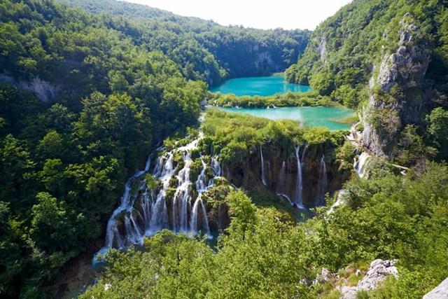Chiêm ngưỡng những thác nước ngoạn mục nhất Châu Âu - Ảnh 3