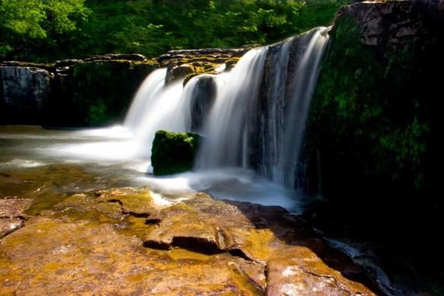 Chiêm ngưỡng những thác nước ngoạn mục nhất Châu Âu - Ảnh 16
