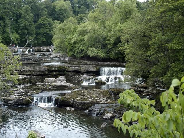 Chiêm ngưỡng những thác nước ngoạn mục nhất Châu Âu - Ảnh 15