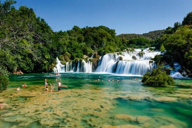 Chiêm ngưỡng những thác nước ngoạn mục nhất Châu Âu - Ảnh 17
