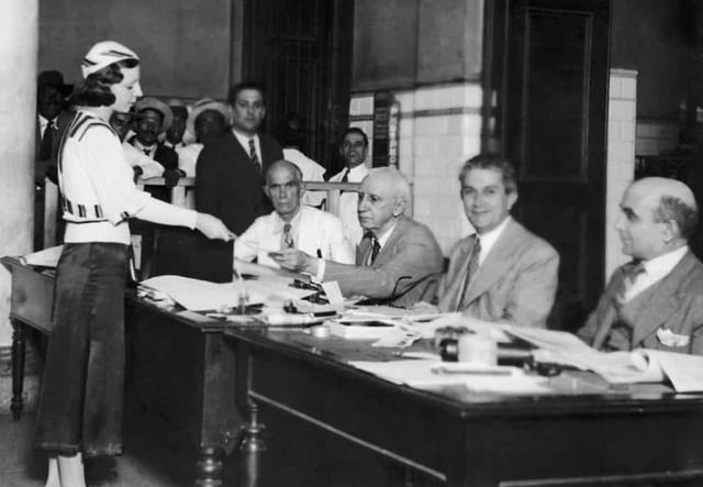 Phụ nữ được trao quyền bầu cử vào năm 1934 ở Brazil.