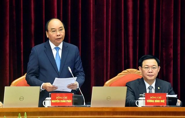 Ủy viên Bộ Chính trị, Thủ tướng Chính phủ Nguyễn Xuân Phúc điều hành phiên họp.
