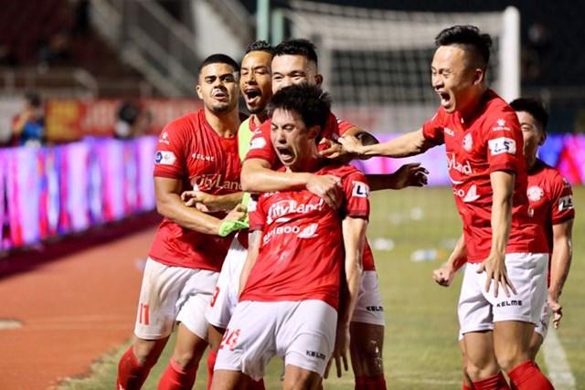 Lee Nguyễn ghi bàn thắng đầu tiên cho mình ở V-League năm nay.