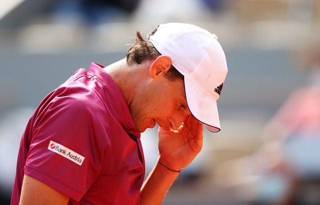 Thiem bị loại ngay từ vòng 1 Roland Garros. Nguồn: Getty Images.