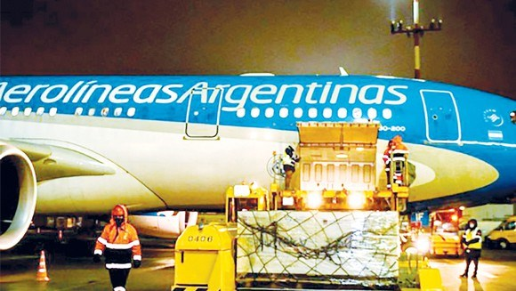 Argentina kéo dài lệnh cấm hoạt động vận chuyển hàng không - Ảnh 1