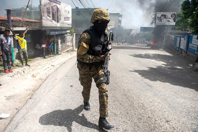 Lực lượng an ninh được tăng cường ở thủ đô Haiti. Ảnh: EPA.