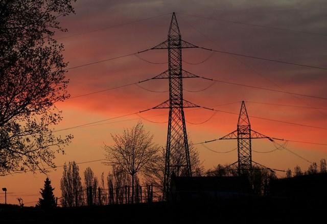 Nhu cầu năng lượng ngày càng tăng cao. Ảnh: Reuters.