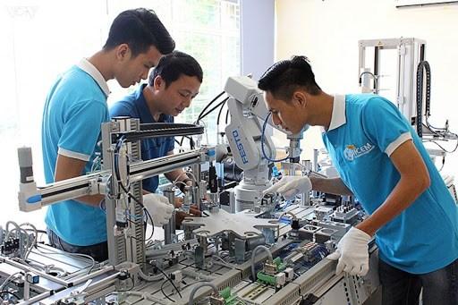 Bắt tay với doanh nghiệp để nâng chất lượng trường nghề