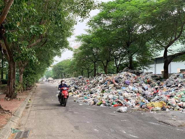 Vụ 'dân chặn đường vào bãi rác Nam Sơn': Chủ tịch ra văn bản chỉ đạo - Ảnh 1