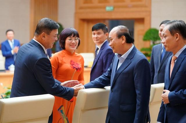 Thủ tướng Nguyễn Xuân Phúc và các đại biểu dự buổi gặp mặt. Ảnh: VGP.