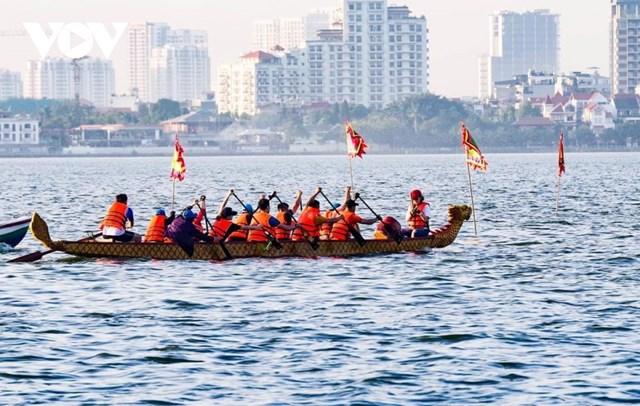 Hơn 500 vận động viên tranh giải Bơi chải thuyền rồng Hà Nội 2020 trên Hồ Tây - Ảnh 3