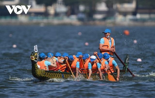 Hơn 500 vận động viên tranh giải Bơi chải thuyền rồng Hà Nội 2020 trên Hồ Tây - Ảnh 4