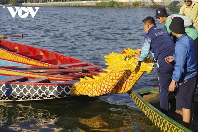 Hơn 500 vận động viên tranh giải Bơi chải thuyền rồng Hà Nội 2020 trên Hồ Tây - Ảnh 2