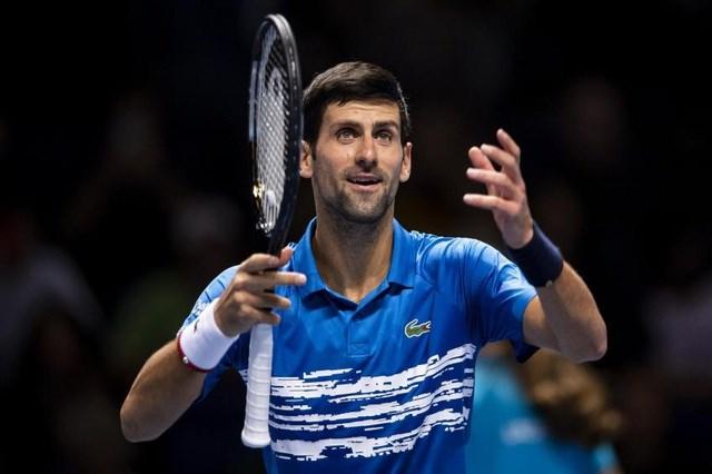 Novak Djokovic đứng trước cơ hội san bằng kỷ lục giành ATP Finals của Roger Federer.
