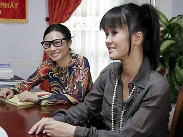 """Hồng Nhung và Phương Thanh vào vai cô giáo trong phim """"Giải cứu thần chết""""."""