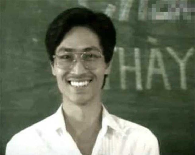 Trong phim, Quốc Tuấn vào vai thầy Minh - giáo viên chủ nhiệm lớp 12A.