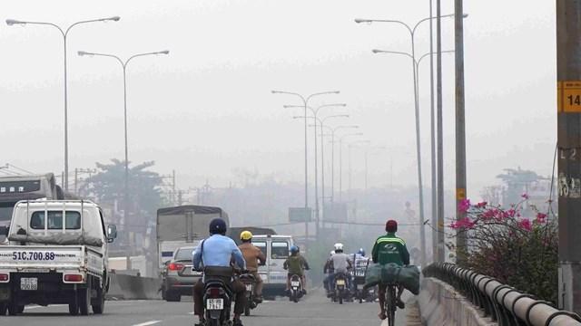 Những ngày qua, ô nhiễm không khí tại TP HCM gia tang. Ảnh: Hồng Phúc.