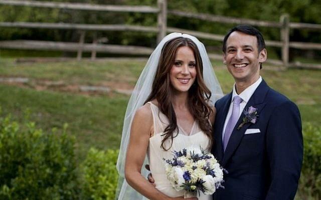 Asley kết hôn năm 2012 với một bác sĩ tai mũi họng. Ảnh: Nhà Trắng.