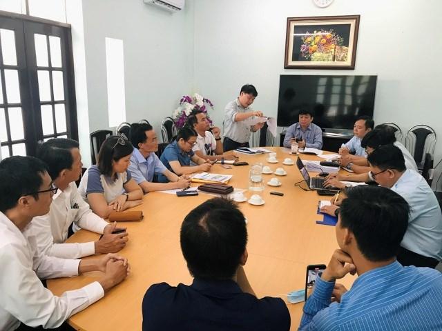 Ban quản lý An toàn thực phẩm TP HCM làm việc với đại diện phụ huynh Trường tiểu học Trần Thị Bưởi, Q.9, TP HCM liên quan đến đơn thư khiếu nại.