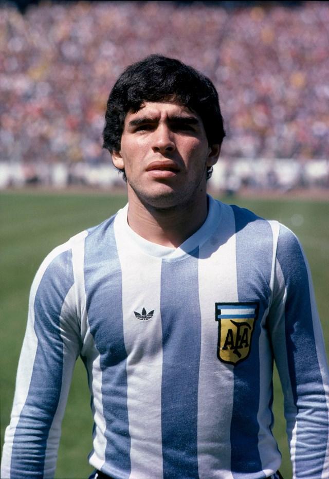 Maradona trong màu áo đội tuyển Argentina năm 1979, khi ông 19 tuổi.