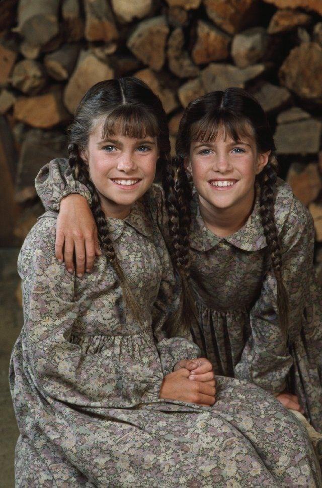 Chị em song sinh Lindsay và Sidney Greenbush (vào vai người con gái thứ 3 - Carrie Ingalls).
