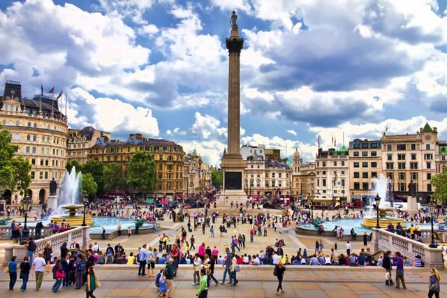 Khám phá những quảng trường lớn nhất thế giới - Ảnh 11