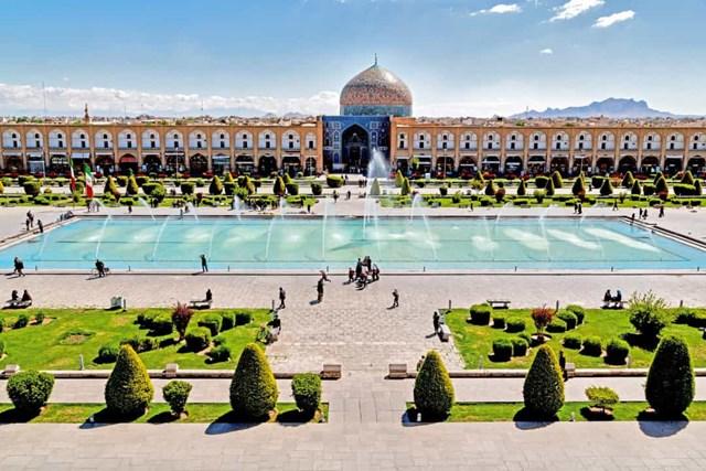 Khám phá những quảng trường lớn nhất thế giới - Ảnh 14