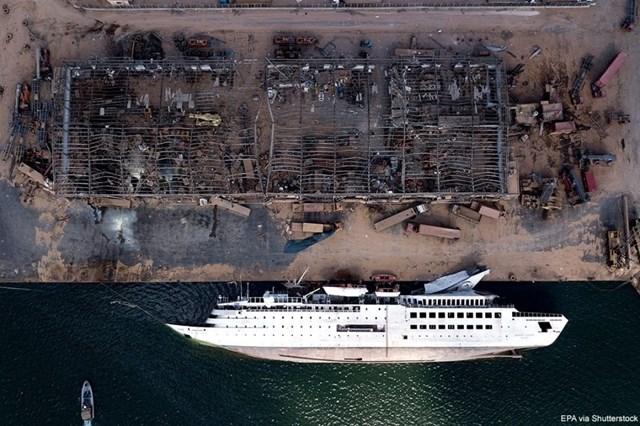 Một con tàu bị lật sau vụ nổ lớn ngày 4/8 tại khu vực cảng ở thủ đô Beirut, Lebanon. Vụ nổ đã khiến ít nhất 171 người thiệt mạng và hơn 6.000 người khác bị thương. Ảnh: Shutterstock.