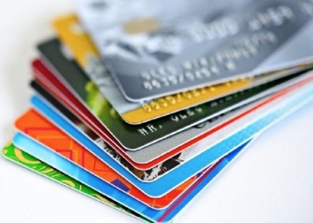 Từ ngày 31/3/2021, thẻ chip sẽ thay thế thẻ ATM - Ảnh 1