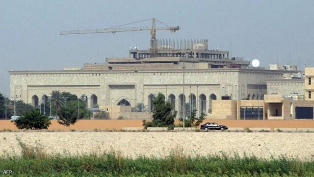Tên lửa tấn công nhằm Đại sứ quán Mỹ ở Iraq. Ảnh AFP.