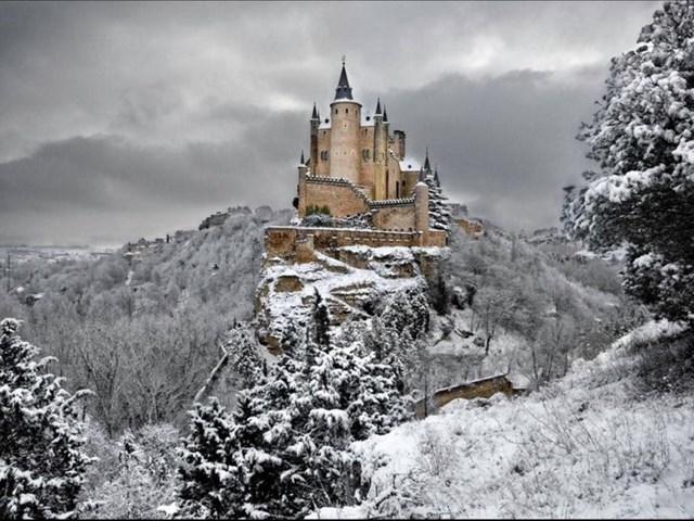 Alcázar của Segovia, Tây Ban Nha.